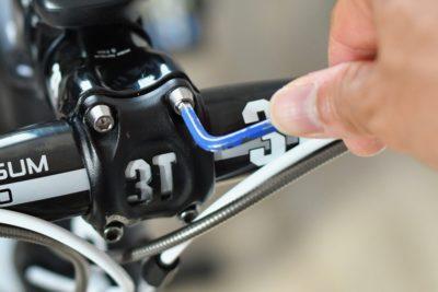 走行前にボルトの増し締めを行い安全性を確認しよう
