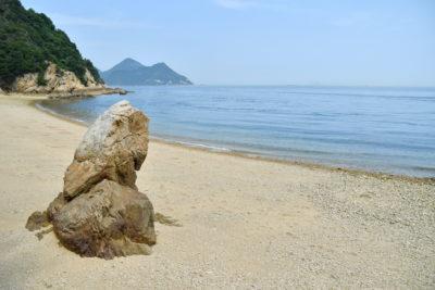 静寂が包む馬島の砂浜ビーチ