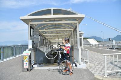 来島海峡大橋の橋下にある馬島へ