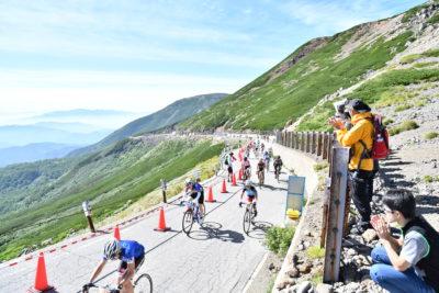 日本の自動車道路最高地点を走る絶景コース