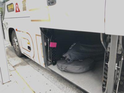 愛車を荷室に安全に預けることができる高速バス輪行