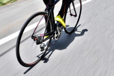 トルクと回転数のかけ算で速度は求められるため、回転数を上げることで加速できる